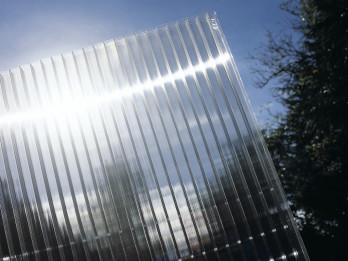 Сотовый-поликарбонат-является-уникальным-материалом